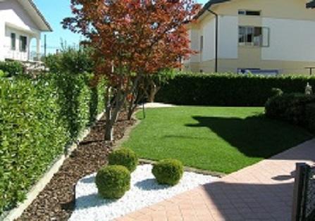 Giardino express creazione giardini a torino for Progetto aiuole per giardino